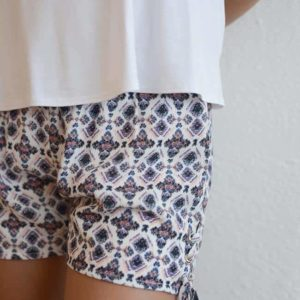 "Paper Crane ""Side Laced Short"""